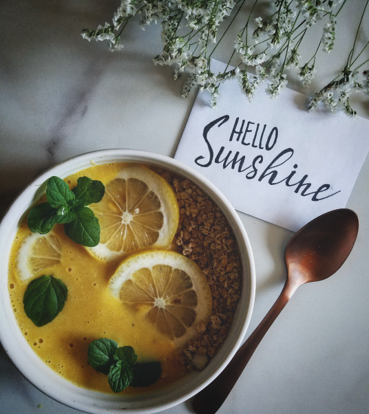 lemon ginger smoothie bowl