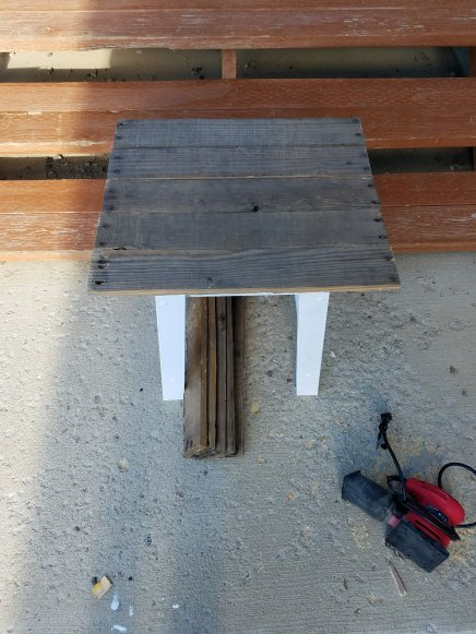 pallet board table top